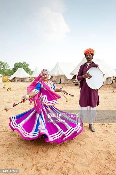 índio dançarino e músico folk - rajastão imagens e fotografias de stock