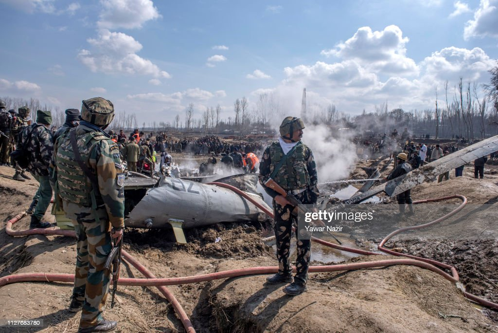 Six Killed In Indian Military Aircraft Crash In Kashmir : News Photo