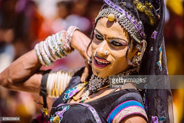 indian hijra dancer - hermaphrodite humans - fotografias e filmes do acervo