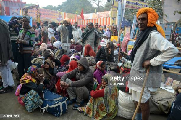 Indian Hindu devotees gathered at transit camp on the way to Gangasagar in Kolkata India on Friday 12th January 2018 Indian Hindu pilgrims starts to...