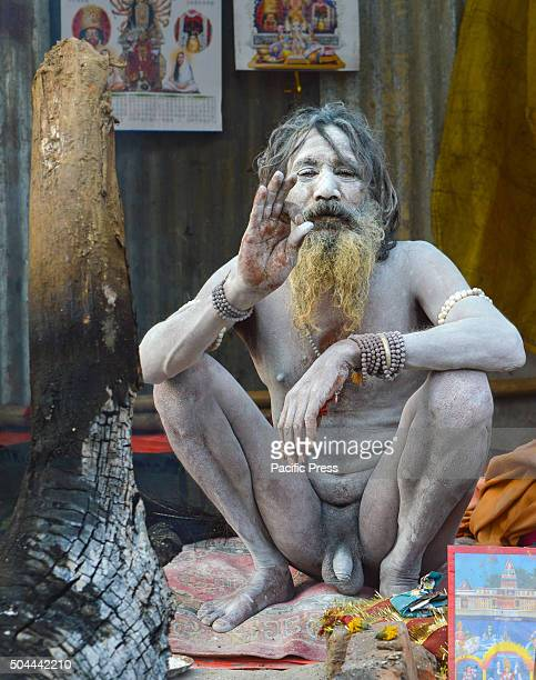 Indian Hindu Naga Sadhuin Gangasagar transit camp at Kolkata Sadhus form all over the country started to gather in Kolkata on their way to the annual...