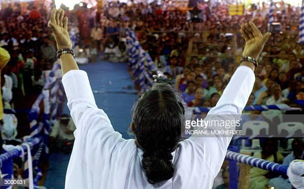 Indian Hindu spiritual leader Mata Amritanandamayi goes into a trance as she prays during a daylong Darshan at Ullal on the outskirts of Bangalore 21...