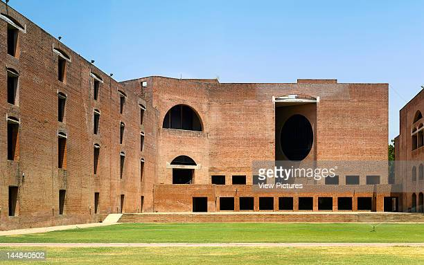 Indian Institute Of ManagementAhmedabad Gujarat India Architect Louis Khan Institute Of ManagementOverall View Towards Library