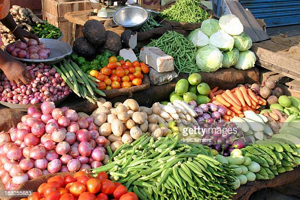 indian marketplace showing different kinds of vegetables - vegetable stock pictures, royalty-free photos & images