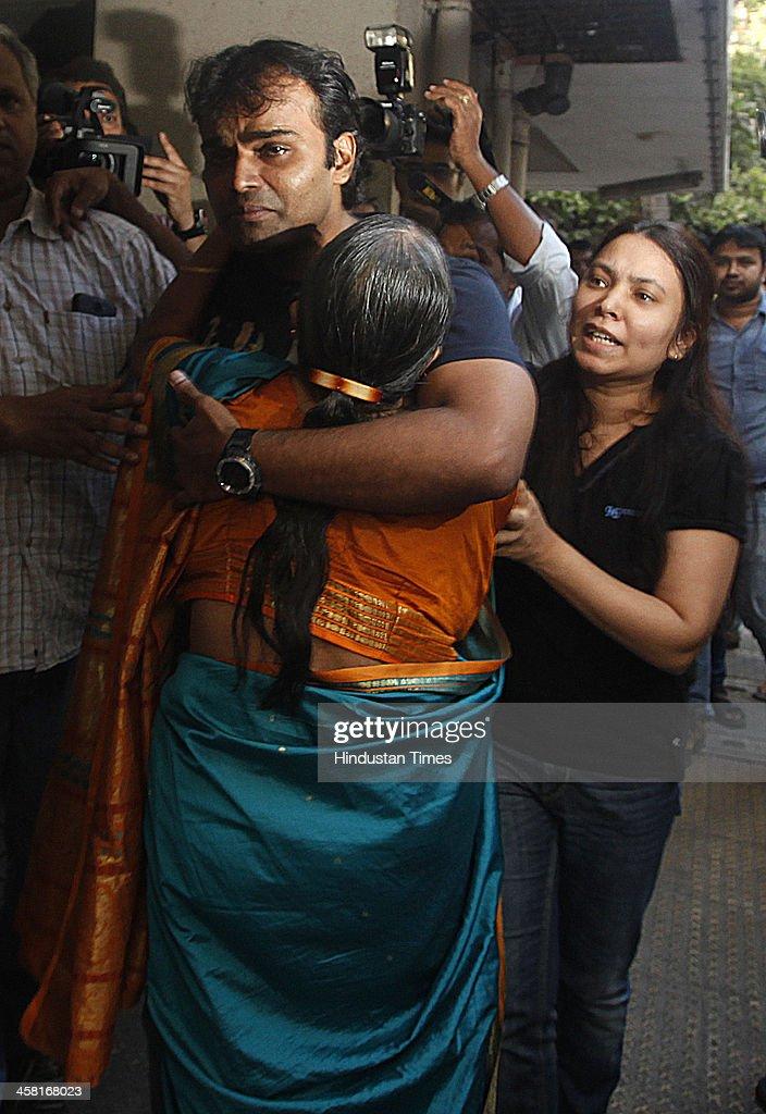 Mumbai: Sunil James Arrives In Mumbai : News Photo