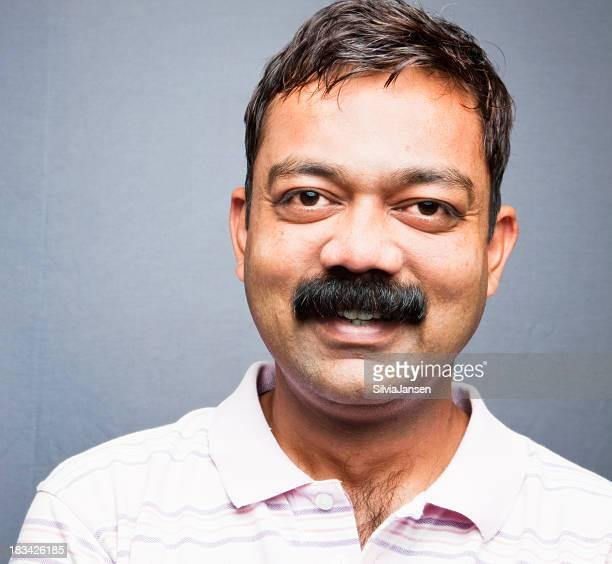 indian homme d'âge moyen