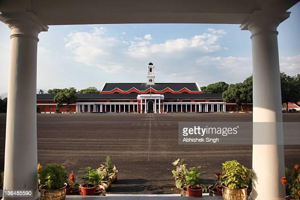 indian military academy - indian military fotografías e imágenes de stock