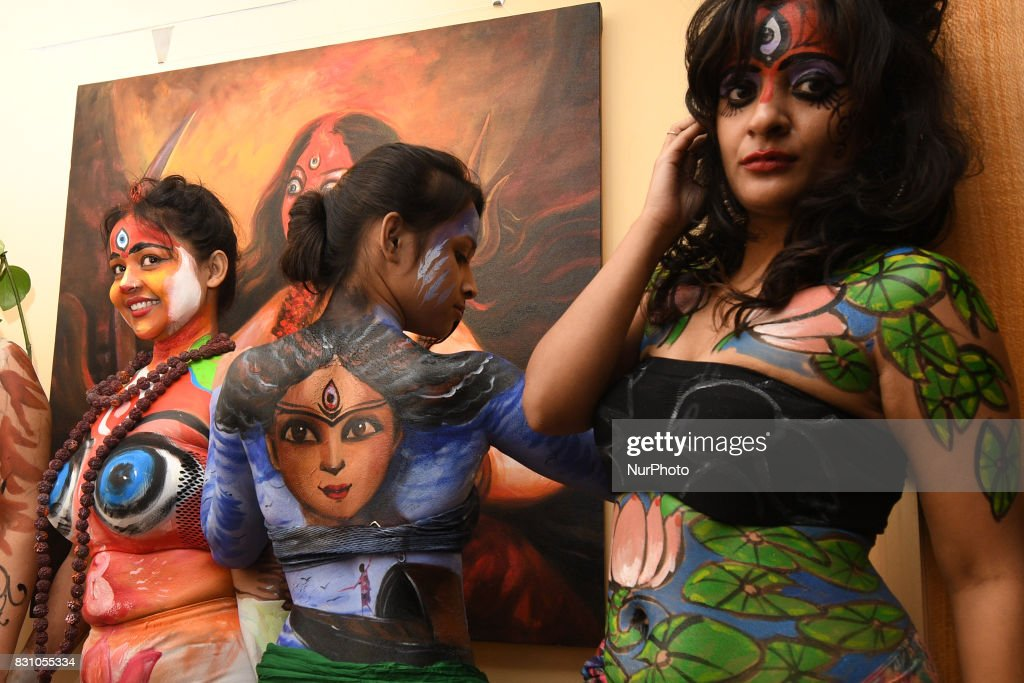 Body Painting Show >> Indian Models Participate At The Live Body Painting Art Show News