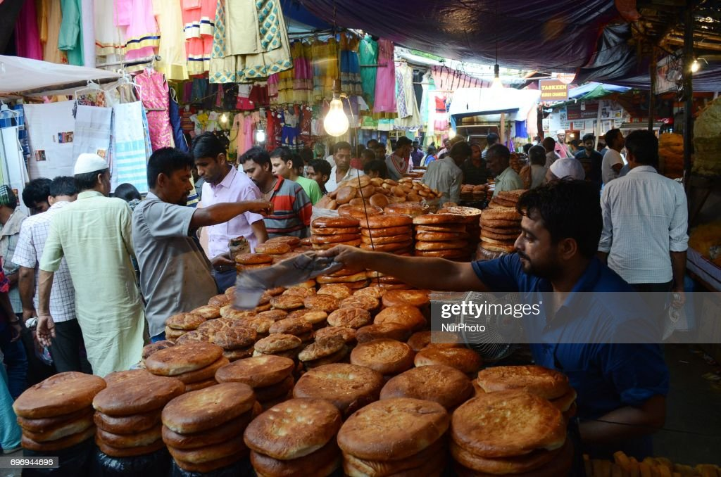 Top Uae 2017 eid al-fitr food - indian-muslim-people-buying-sweet-bread-for-eid-ul-fitr-festival-in-picture-id696944696  Photograph_39245 .com/photos/indian-muslim-people-buying-sweet-bread-for-eid-ul-fitr-festival-in-picture-id696944696