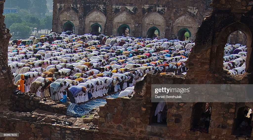 Indian Muslims Gather To Celebrate Eid ul-Fitr : News Photo