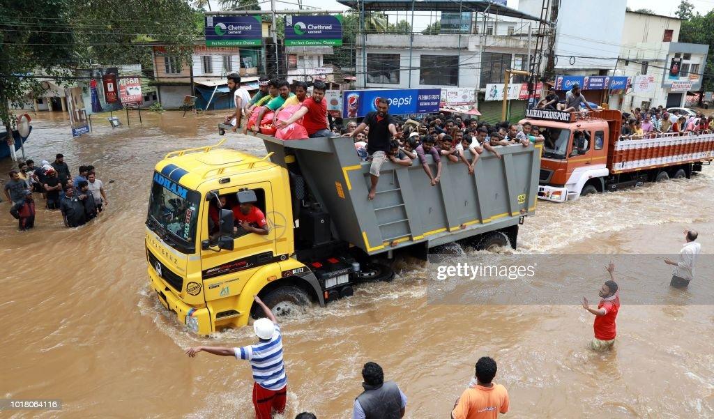 INDIA-WEATHER-FLOOD : News Photo