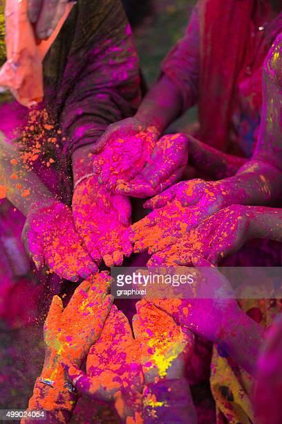 Gente celebra Holi Festival indiano