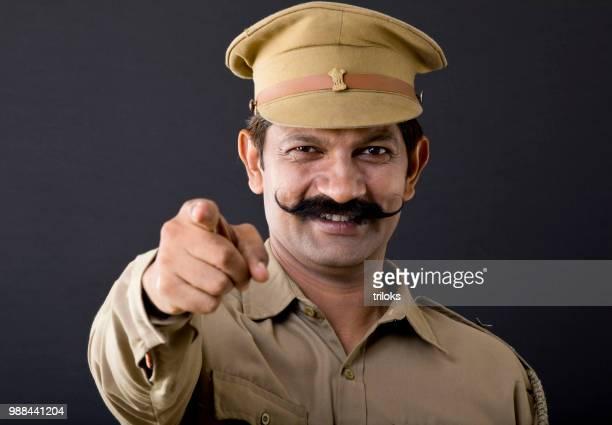 Indische Polizei Mann zeigte