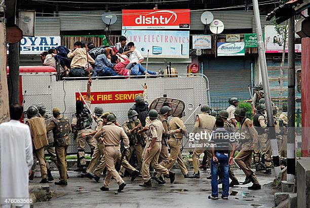 CONTENT] Indian policemen beat up locals in old city Srinagar during clashes against the fire in the shrine of Sheikh Abdul Qadir JeelaniLocals...