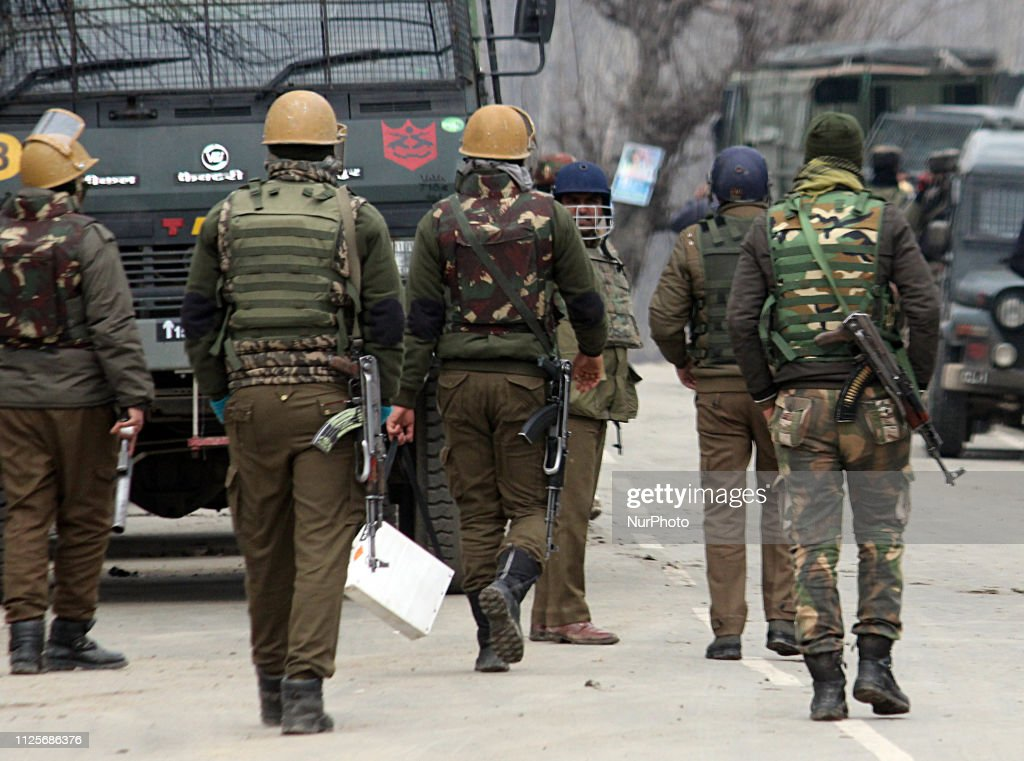 IND: Nine People Killed Kashmir Gun-battle