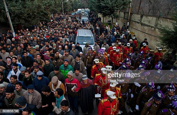 Indian politician and supporters attend the funeral of pro Indian Jammu and Kashmir Chief Minister Mufti Mohammad Sayeed during his funeral, on...