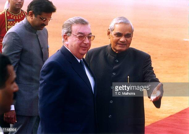 Indian Prime Minister Atal Bihari Vajpayee welcomes Russian Prime Minister Yevgeny Primakov at the President House in New Delhi on December 21,1998.