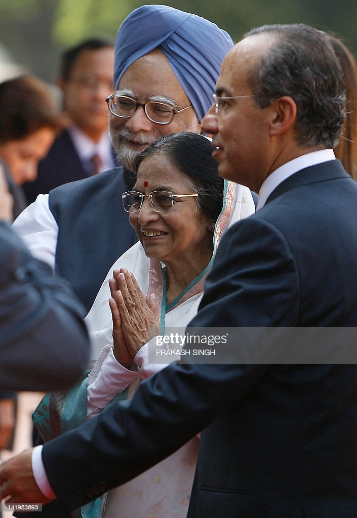 Mexican president felipe calderon visits photos and images getty indian prime minister manmohan singh l and indian president pratibha patil c m4hsunfo