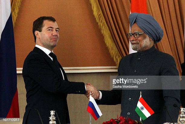 Indian Prime Minister Manmohan Singh receives Russian President Dmitry Medvedev in the Haidarabad Palace on December 2010, in New Delhi, India....