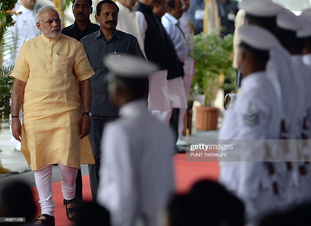 INDIA-POLITICS-DEFENCE-NAVY : News Photo