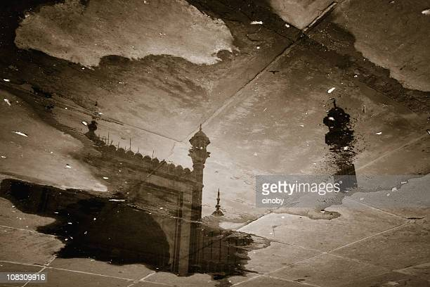 indian puddle - jama masjid mosque - jama masjid delhi stock pictures, royalty-free photos & images