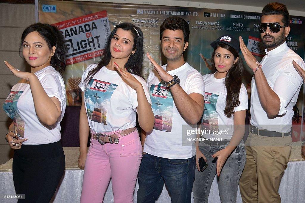 Indian Punjabi singer and actors Yuvraj Hans Tarun Mehta actresses Anushkha Shobhita Rana and Aakriti pose during a promotional event for the...