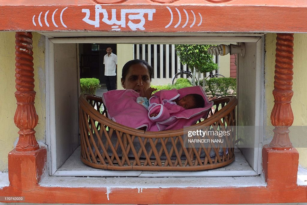 INDIA-POPULATION-SOCIETY-BABY : News Photo