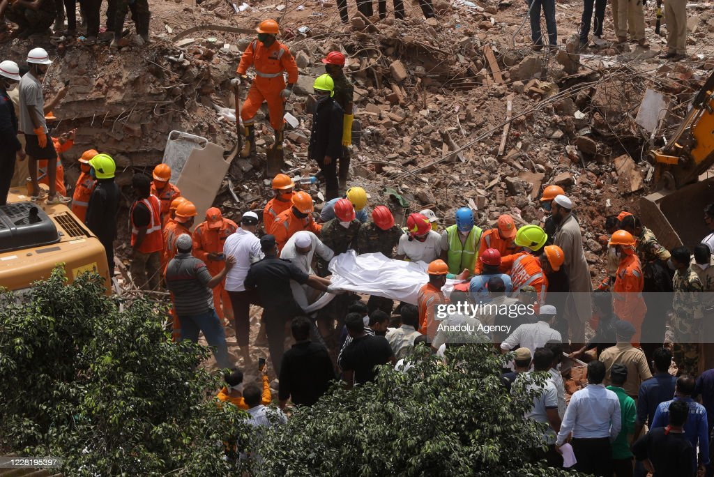 Five-story building collapsed in India : ニュース写真