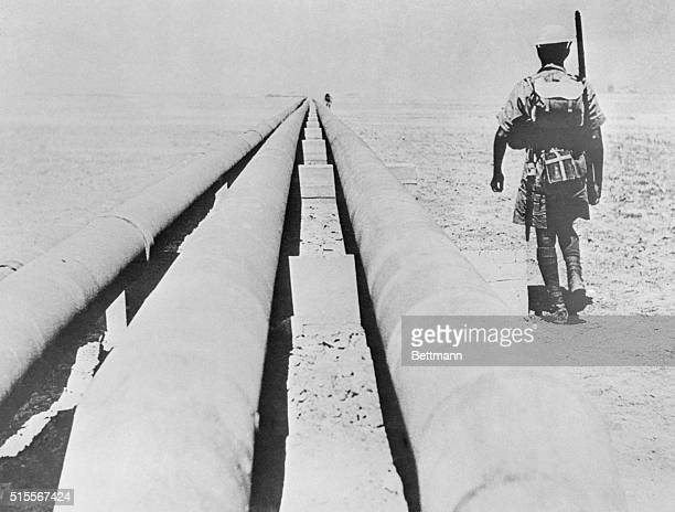 Indian riflemen guard Iran pipelineThe giant oil pipeline across Persia one of the main objective of the British and Russian invasion is closely...