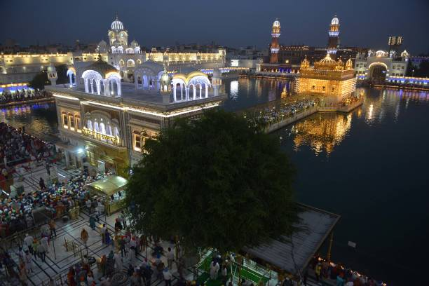 Indian Sikh devotees mark Bandi Chhor Divas or Diwali at the Golden Temple in Amritsar on October 19 2017 Sikhs celebrate Bandi Chhor Divas or Diwali.