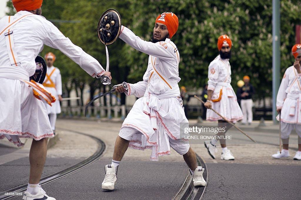 FRANCE-INDIA-REGLION-SIKHS-VAISAKHI : News Photo