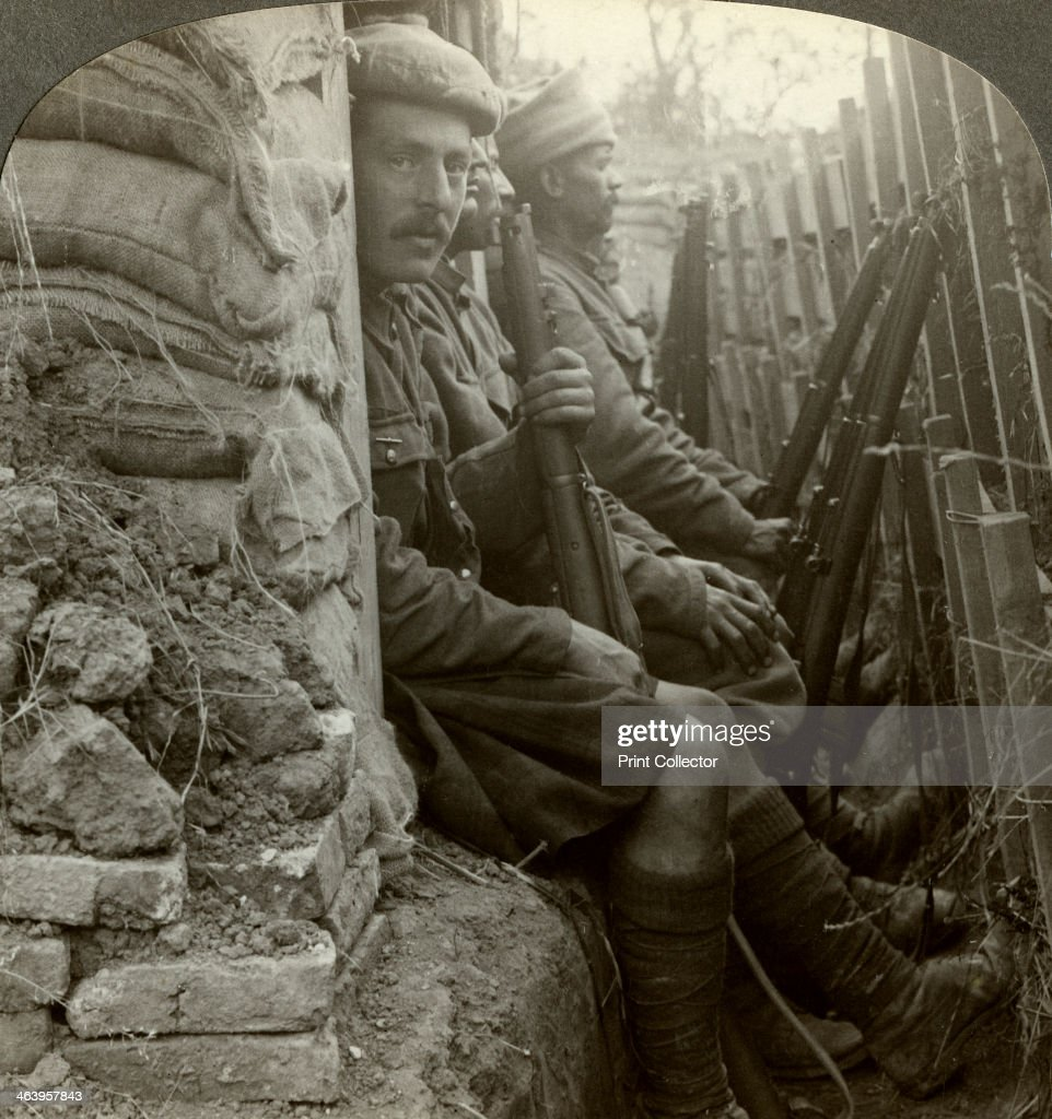 Indian soldiers in the trenches, World War I, 1914-1918.Artist: Realistic Travels Publishers : ニュース写真