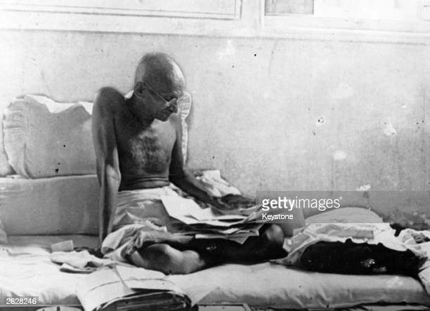 Indian statesman Mahatma Gandhi fasts in protest against British rule after his release from prison in Poona, India.