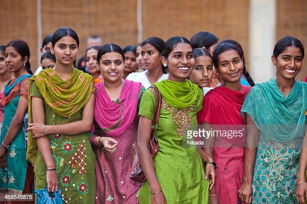 étudiants indiens - écolière photos et images de collection