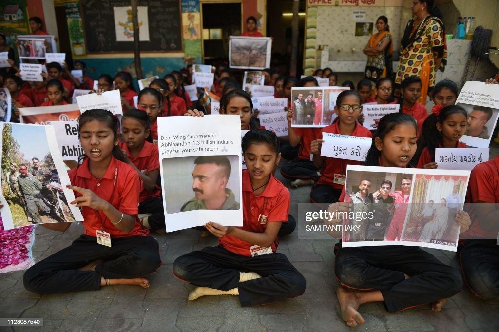 TOPSHOT-INDIA-PAKISTAN-KASHMIR-CONFLICT-MILITARY : News Photo