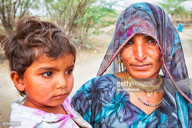 Indian donna e bambino in Salapura Village, Rajasthan, India