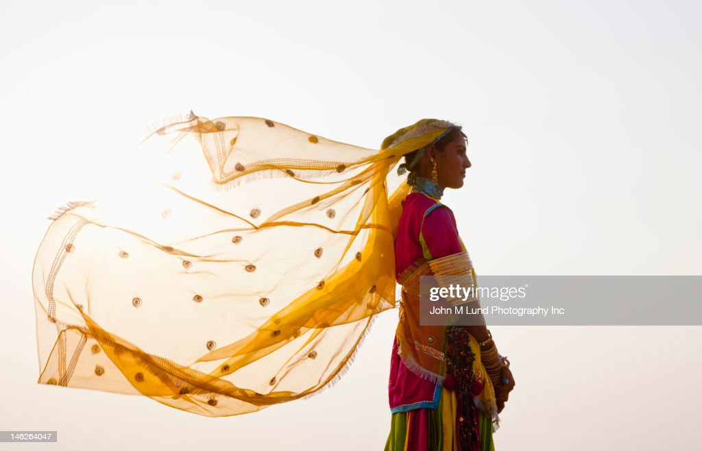 Indian woman in traditional clothing : Stock Photo