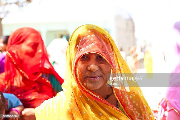 indian woman wearing traditional clothes - izusek stock pictures, royalty-free photos & images