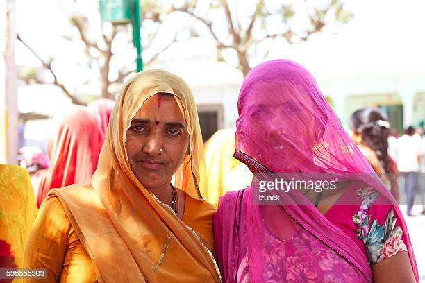 indian women wearing traditional clothes - izusek stock pictures, royalty-free photos & images