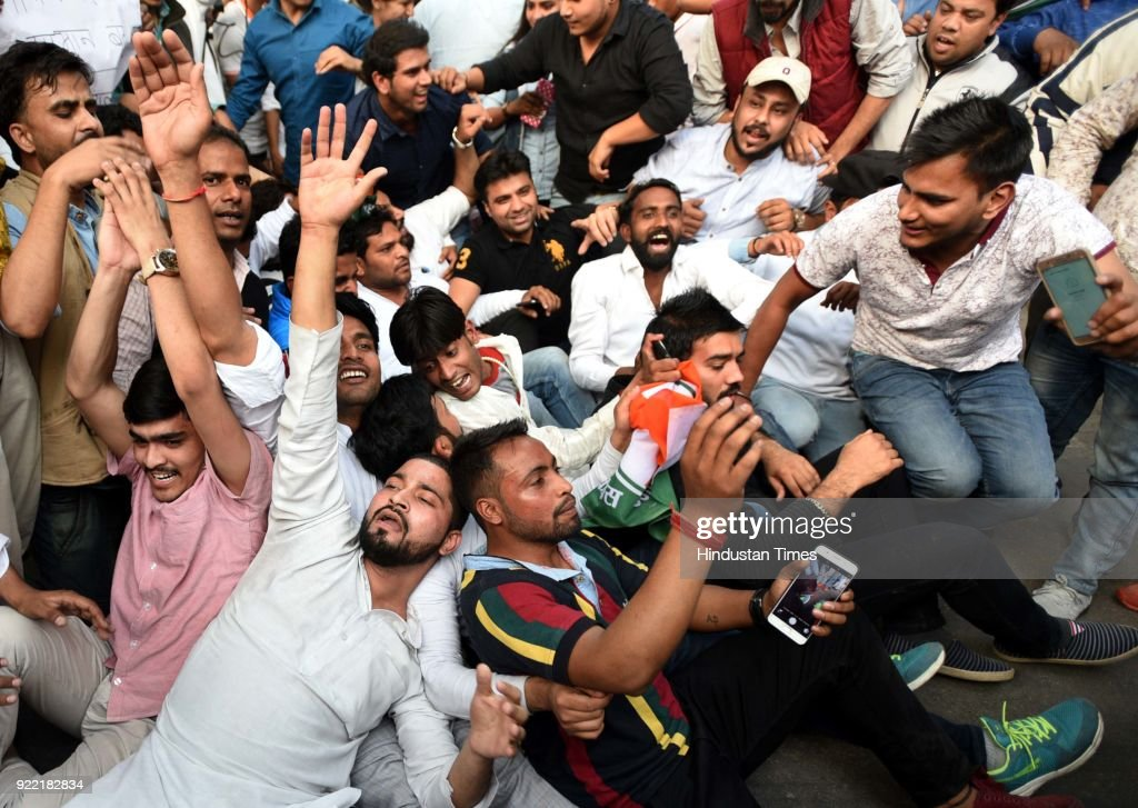 Indian Youth Congress Activists Demonstration Against AAP Government : News Photo