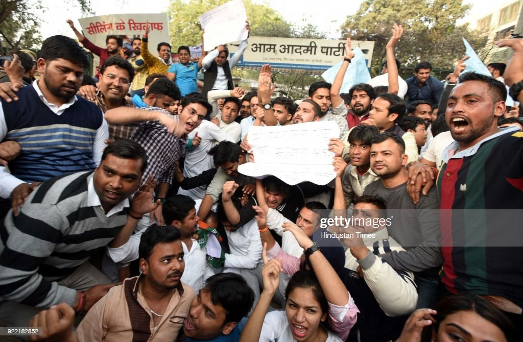 Indian Youth Congress activists' demonstration against the AAP Government in Delhi for allegedly man handing Delhi Chief Secretary Anshu Prakash, at AAP HQ, on February 21, 2018 in New Delhi, India.