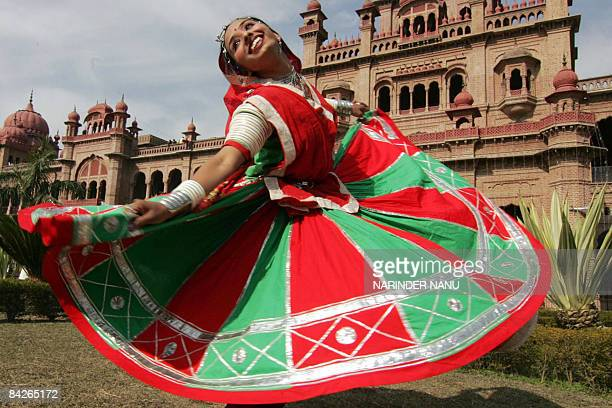 Indian youth participant Deepa Paniger from Rajasthan state performs a traditional Rajasthani Ghoomar dance during celebrations for the 14th National...