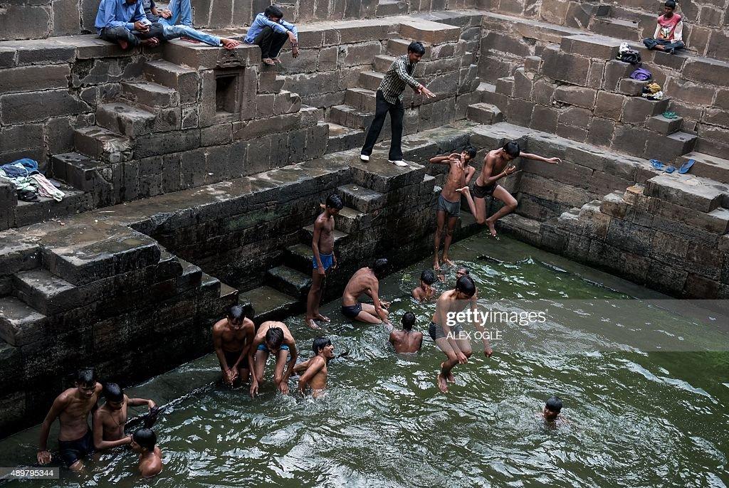 INDIA-RELIGION-HINDU-STEPWELL : Nachrichtenfoto