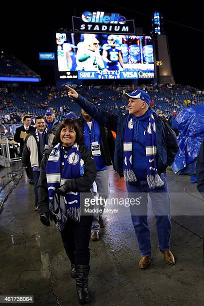 Indiana Gov Mike Pence gestures to the crowd before the 2015 AFC Championship Game between the New England Patriots and the Indianapolis Colts at...