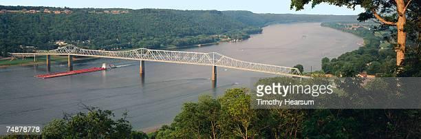 usa, indiana, madison, barge under bridge on ohio river - timothy hearsum bildbanksfoton och bilder