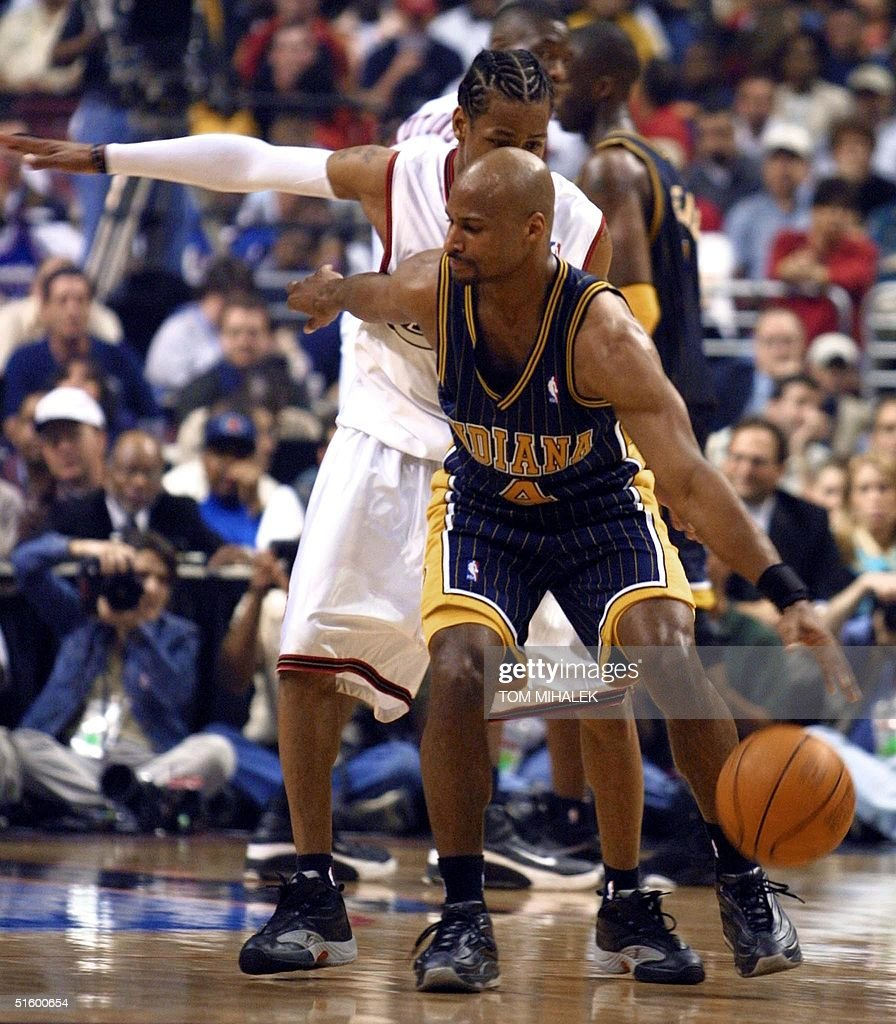 Indiana pacer travis best front is guarded by th pictures indiana pacer travis best front is guarded by the philadelphia 76er allen iverson voltagebd Images
