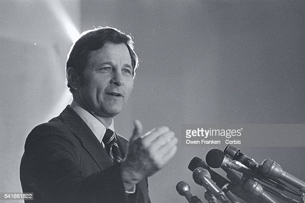 Indiana senator Birch Bayh gives a speech while campaigning for the 1976 New Hampshire presidential primary