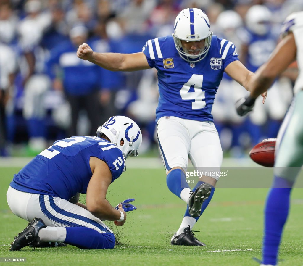 Indianapolis Colts Kicker Adam Vinatieri Hits This Field Goal News Photo Getty Images