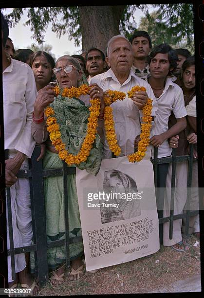 Indians Gather for Indira Gandhi's Funeral Procession