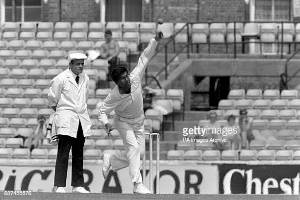 India's Dilip Doshi bowling
